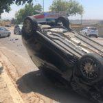 Agrigento, scontro fra auto: veicolo cappotta dopo lo schianto – FOTO