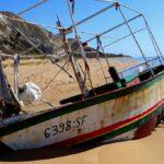 Un cimitero di barche inquinanti a Torre Salsa – VIDEO