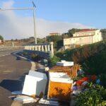 Abbandono rifiuti sulla Strada degli Scrittori: riunione in Prefettura