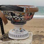 Agrigento, giovani restaurano i vasi vandalizzati a San Leone