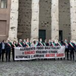 I Sindaci agrigentini davanti Palazzo Chigi a Roma