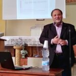 """Santa Margherita Belice, applausi per il prof. Pira che ha presentato il suo libro dei """"Figli delle App"""""""