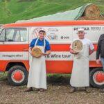"""""""In viaggio tra i filari"""", al via il nuovo il tour a bordo di un van Volkswagen nella Sicani del vino e dei formaggi"""