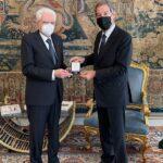 Statuto siciliano, Musumeci al Quirinale dona a Mattarella medaglia per il 75mo anniversario
