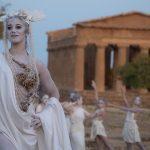 La prima alba teatralizzata alla Valle dei Templi: 400 spettatori di notte tra dei e ninfe