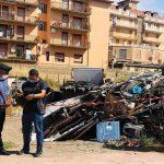 Canicattì, fabbrica casalinga del riciclaggio dei rifiuti: denunciato dai Carabinieri