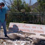"Panchina distrutta da vandali a Siculiana, il sindaco: ""Sarà un monumento all'incivilità"""
